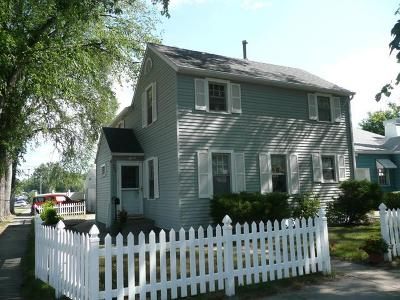 Bismarck Single Family Home For Sale: 320 C Av W