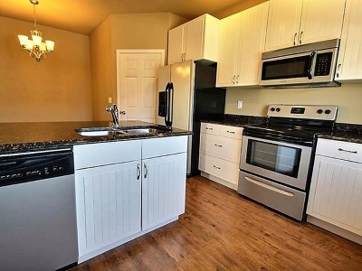 Bismarck Condo/Townhouse For Sale: 2027 Koch Dr