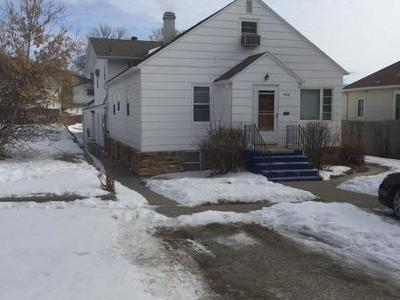 Mandan Single Family Home For Sale: 408 2nd Ave