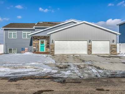Bismarck ND Single Family Home For Sale: $319,990