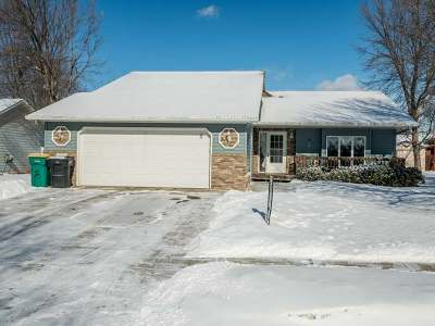 Bismarck ND Single Family Home For Sale: $285,000