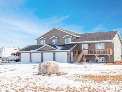 Bismarck Single Family Home For Sale: 9003 Prairie Hills Dr