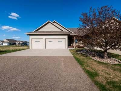 Bismarck Condo/Townhouse For Sale: 3746 Bogey Dr