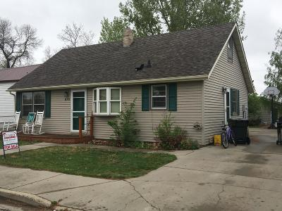 Beulah, Hazen Single Family Home For Sale: 210 5th St NE