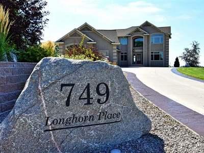Bismarck Single Family Home For Sale: 749 Longhorn Pl