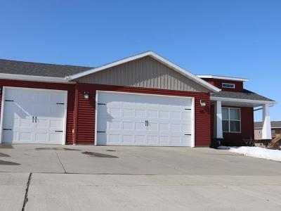 Bismarck ND Single Family Home For Sale: $349,900