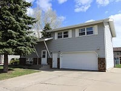 Bismarck ND Single Family Home For Sale: $239,000