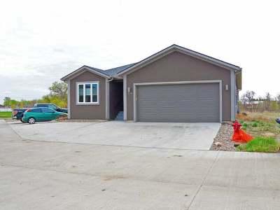 Mandan Single Family Home For Sale: 3905 Lillian Ct