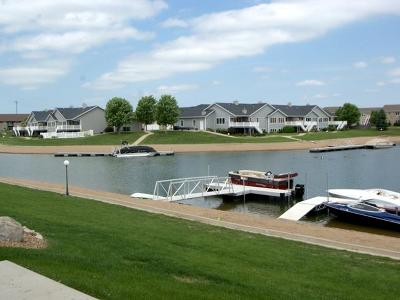 Mandan Condo/Townhouse For Sale: 2439 Water Park Lp SE