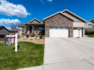 Bismarck Single Family Home For Sale: 3905 High Creek Rd