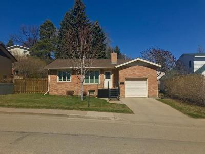 Mandan Single Family Home For Sale: 1104 6th St NW