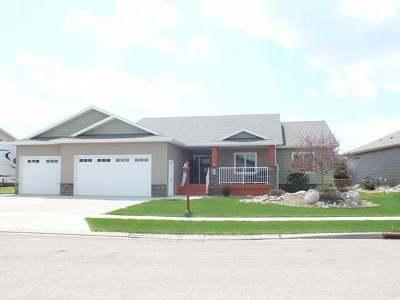 Mandan Single Family Home For Sale: 1609 Canyon Rd