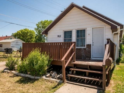 Bismarck ND Single Family Home For Sale: $109,900