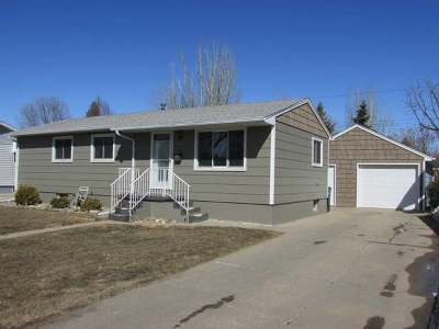 Bismarck Single Family Home For Sale: 2103 4th St N