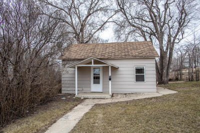 Mandan Single Family Home For Sale: 211 6th Ave NE