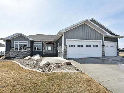 Bismarck ND Single Family Home For Sale: $554,900
