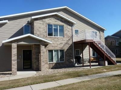 Mandan ND Condo/Townhouse For Sale: $179,000