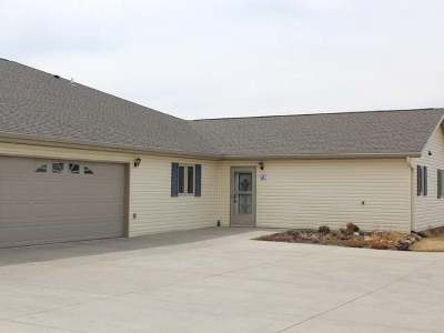 Bismarck ND Condo/Townhouse For Sale: $269,900