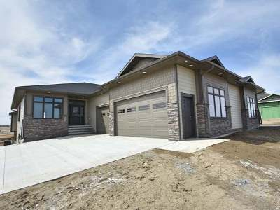 Bismarck ND Condo/Townhouse For Sale: $499,900