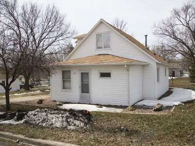 Wilton Single Family Home For Sale: 312 1st St N