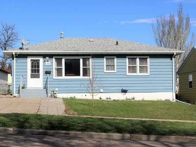 Bismarck Single Family Home For Sale: 1709 14th St N