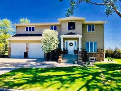 Mercer County Single Family Home For Sale: 1700 6th Ave NE