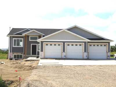Mandan Single Family Home For Sale: 2499 Labrador Dr