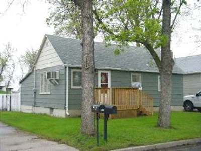 Hazen Single Family Home For Sale: 122 5th St NE