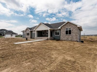 Bismarck Single Family Home For Sale: 3600 High Creek Rd