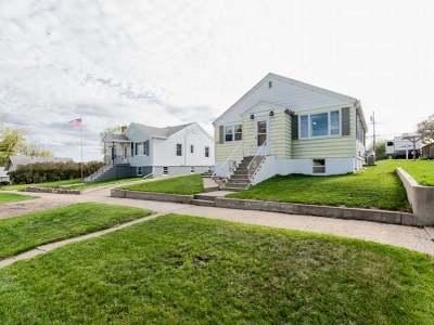 Mandan Single Family Home For Sale: 307 3 Ave NE