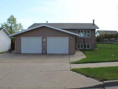 Mandan Single Family Home For Sale: 2104 12 Ave SE