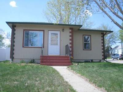 Bismarck Single Family Home For Sale: 222 Hill St