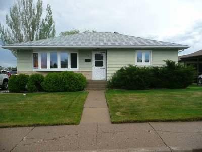 Mandan Single Family Home For Sale: 717 Custer Dr