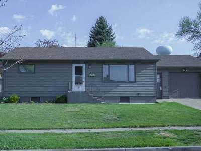 Bismarck Single Family Home For Sale: 1512 Harmon Av