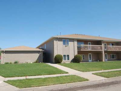 Bismarck Condo/Townhouse For Sale: 644 Bridgeport Dr