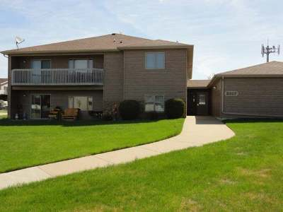 Bismarck ND Condo/Townhouse For Sale: $169,900