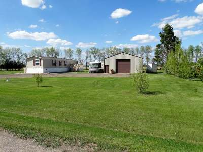 Mandan Single Family Home For Sale: 506 Square Butte Rd
