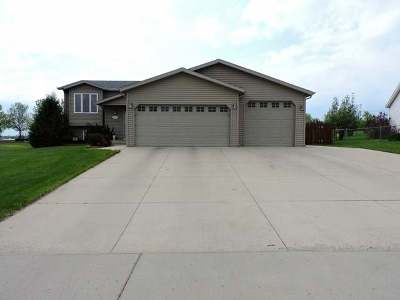 Bismarck Single Family Home For Sale: 3418 Stonewall Dr