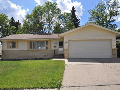 Bismarck Single Family Home For Sale: 1328 22nd St N