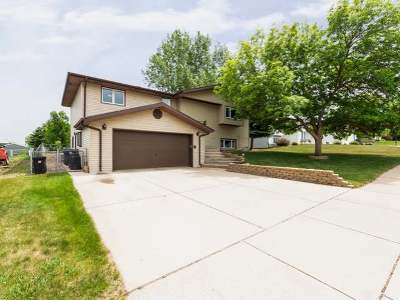 Mandan Single Family Home For Sale: 2704 10th Ave NW