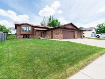 Mandan Single Family Home For Sale: 1304 4 Ave NE