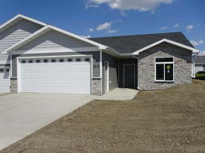 Mandan Condo/Townhouse For Sale: 2510 7 Ave NW