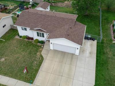 Mandan Single Family Home For Sale: 4013 36th Ave NW