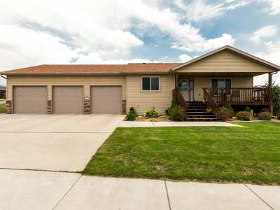 Bismarck Single Family Home For Sale: 2475 Pointe Lp