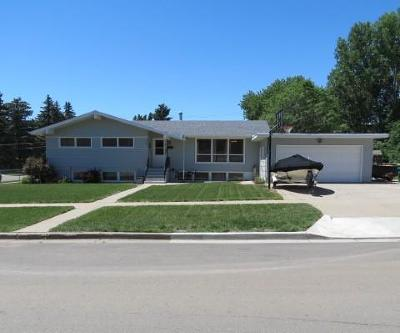 Bismarck Single Family Home For Sale: 1204 19th St N