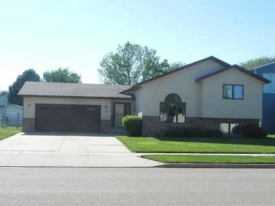 Bismarck Single Family Home For Sale: 3108 Devon Dr