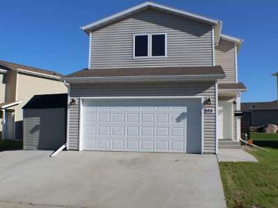 Bismarck Single Family Home For Sale: 1038 Madison La