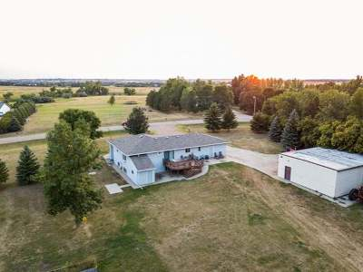 Bismarck Single Family Home For Sale: 4785 Rolling Ridge Rd NE