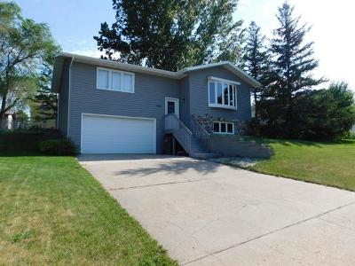 Mandan Single Family Home For Sale: 1401 17th St SE