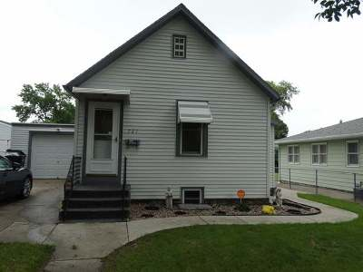 Bismarck Single Family Home For Sale: 721 18th St N
